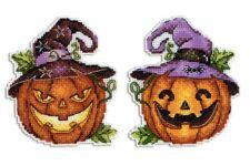 Cross Stitch Kit Halloween Pumpkin R-313 on plastic canvas