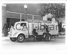 1938 Mack Coca Cola Model EEU bottlers Rack Truck, Factory Photo (Ref. #55621)