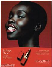 PUBLICITE ADVERTISING 105  2002  CLARINS  maquillage rouge à lèvres LE ROUGE 2