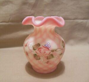 "Fenton Burmese Diamond Optic 4"" Glass Vase"