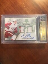15-16 The Cup Honorable Numbers Rookie Auto #HNR-DL Dylan Larkin BGS 9.5/10