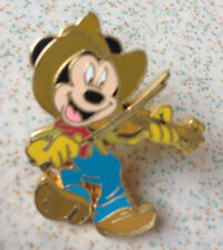 Pin's pin DISNEYLAND RESORT PARIS CARS DISNEY MICKEY AU VIOLON (ref 067)