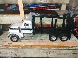 Ertl 1/16 Big Farm Peterbilt Model 367 Log Truck  LP68215(Tomy UK)MISSING TRAILE