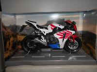 HONDA CBR1000RR WHITE/RED/BLUE AUTOMAXX PREMIUM 1:12