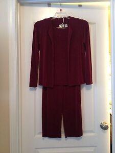 Chicos Sz 4/6 (0) Women Burgundy (3 Pc) Long Sleeve Knit Suit!! Free Shipping!