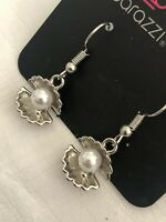 White Pearl Shell Earrings NEW Summer Seashells