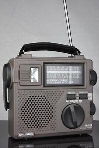 GRUNDIG FR-200 AM/FM/SW World Band Emergency Crank/battery Powered Radio WORKING