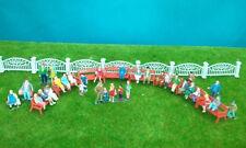 VFM10 Train Model 1:87 HO Fence 1 meter & 32 pcs 1:87 Painted Figures