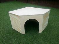 (NEW LARGE )CORNER HOUSE/SHELTER FOR RABBIT/GUINEA PIGS