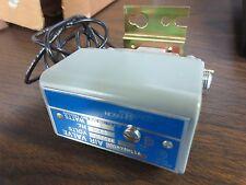 JOHNSON CONTROLS V11HBA-100 3-WAY SOLENOID AIR VALVE 220/240VAC 30psi MAX 1/8NPT