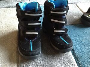 hasby, softershell. kids hiking boots. new size 9.5