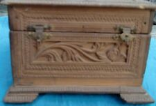 VINTAGE TRADITIONAL SANDAL WOOD BOX WITH EXCELLENT FLORAL ENGRAVED 2 BARRELS