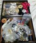 LOT+OF++VINTAGE+BUTTONS+AND+OTHER+SEWING+STUFF