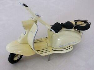 A 1:12th scale Model of a 1960's Lambretta scooter by Xonex