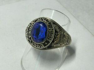 US College-Ring von 1982 mit blauem Stein
