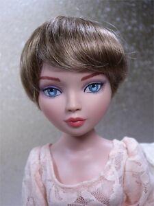 Monique Wig BEBE Size 6-7 Light Golden Brown fits Ellowyne Volks Evangeline Unoa