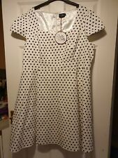 Dolly And Dotty Plus Size 24 1950s White and black Spotty Dress bnwt lined