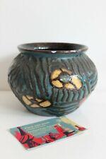 Vase Ancien Poterie de Savoie Signé SISPA décor Floral et traits en relief