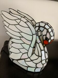 Tiffany-style Stained Glass Swan Table Lamp Night Light WORKS!