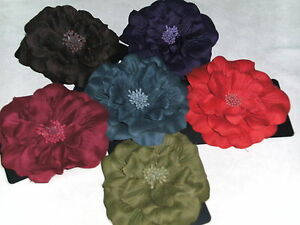 BNWT-Large Soft Touch Flower Clips in 6 Fabulous Colours-Size 12cm