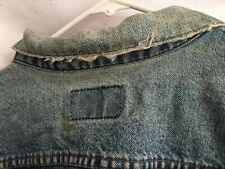 Men's Distressed Blue Denim Levi's Trucker Jacket Size 45R
