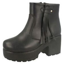 Calzado de niña Botas, botines de color principal negro