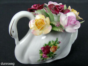 OLD COUNTRY ROSES FLORAL SWAN ORNAMENT, 1973-93, MADE IN ENGLAND, ROYAL ALBERT