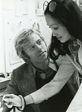 ROBERT REDFORD TINA CHEN LES TROIS JOURS... (THREE DAYS OF THE CONDOR) PHOTO CM