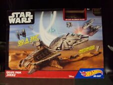 NEW Hot Wheels Star Wars Escape From Jakku Play Set w/ Millennium Falcon