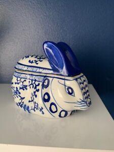 Vintage Blue White Porcelain Oriental Lidded Rabbit Shape Storage Jar Delph