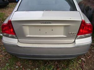 2002 VOLVO S-60 DECK LID TRUNK   USED