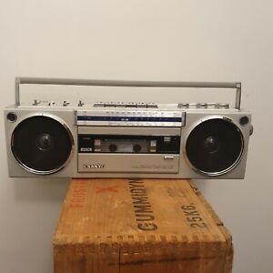 Vintage rare Sanyo M7750K Portable Radio Cassette Recorder Boombox Ghettoblaster