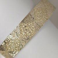 Solid sterling silver 925 bracelet bangle 7 inches pretty pattern  Az319-29.