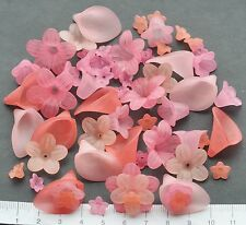 60 x mix of lucite/plastic beads 10/25 mm 23gms PEACHY PINK FLOWERS  Pack 7