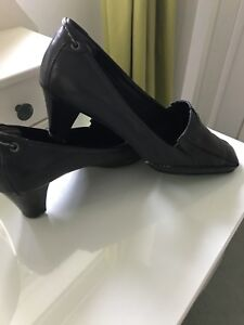 Ladies Real Leather Black Shoes By Clarks K By Clarks Size 6 SALE price
