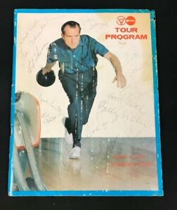 1970 BOWLERS TOUR PROGRAM HAND SIGNED X 15 BOWLERS RICHARD NIXON COVER 12121