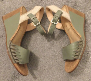 🌸CLARKS Ladies Leather Wedge Sandals Sage Green Size 4E EUR37 Wide Fit Cushion