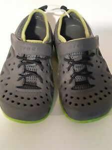 Crocs Kids Shoes Size 10 Gray and Green