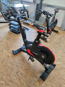 TOMAHAWK Life Fitness IC7 Indoor Cycling Bike Fahrrad neues Modell Gym