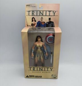 WONDER WOMAN TRINITY SERIES 1 - DC DIRECT ACTION FIGURE