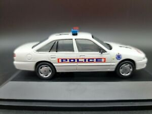 Paradise Garage-Dinkum 94 Holden VR Commodore NSW Police Car 1:43 Scale Diecast