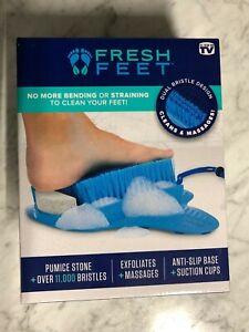 Fresh Feet Foot Scrubber w/Pumice Stone, Cleans & Exfoliates - New