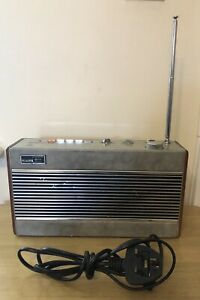 Roberts R747 3 band Radio in silver & Grey Leather. Tested & Working!