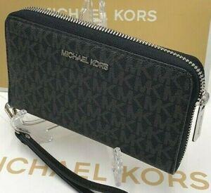 Michael Kors Jet Set Travel MK Flat multifunction Phone Wallet Wristlet Black