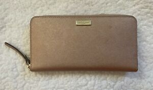 Beautiful Rose Gold Kate Spade Zip Wallet in Great Condition