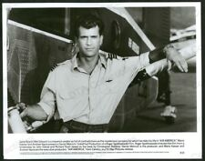 AIR AMERICA-8X10 B&W PHOTO-MEL GIBSON IS MAVERICK PILOT FN