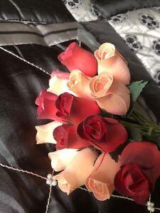 15 Wooden Rose Buds