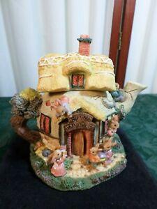 1995 Adorable Artisan Flair Decorative Bunny Tea House Bank