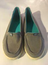 DC Slip-on Gray & Turquoise Shoes Size USA 8, Uk 6, Used 302722