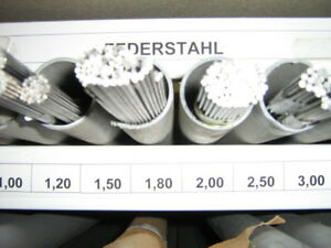 Federstahldraht 17223 >Bitte  auswählen<  von 0,5-5,00 mm Länge 3x330 mm